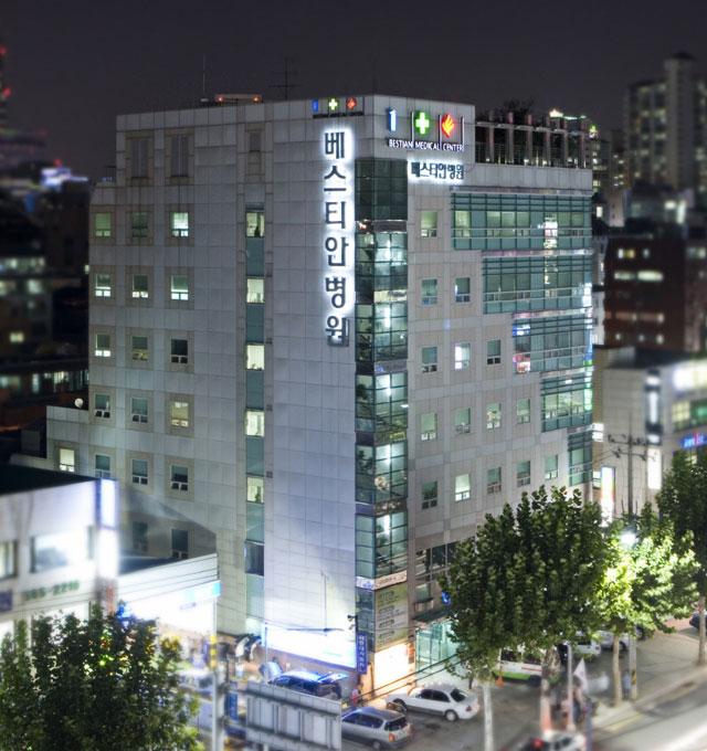 베스티안 야간 건물사진